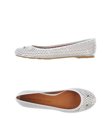I found this great MARC BY MARC JACOBS Ballet flats on yoox.com. Click on the image above to get a coupon code for Free Standard Shipping on your next order. #yoox