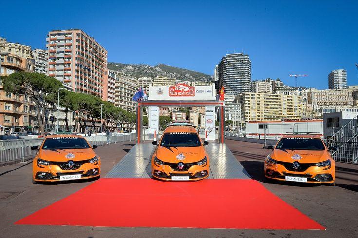 négy Megane R.S.-t adományozott a Monakói Autóklubnak