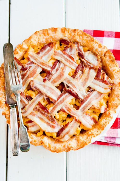 {mac'n'cheese pie} the pie sits on a homemade cheddar crust + is topped with a bacon lattice. epic.