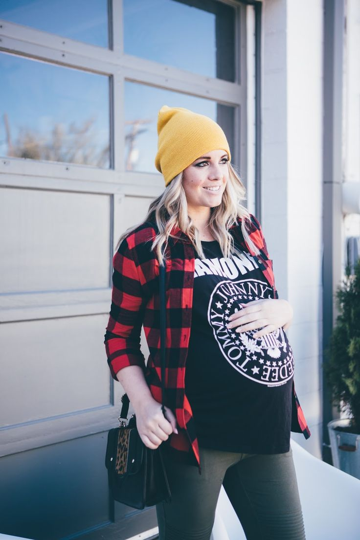 Pregnant grunge. Plaid top, Ramones tee, maternity leggings and booties. Maternity outfit from www.theredclosetdiary.com || Instagram: jalynnschroeder