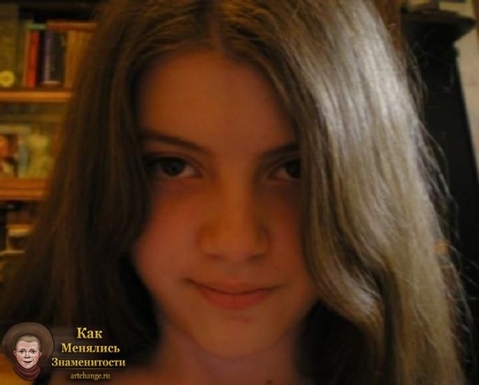 Olyashaa (Оляша) в детстве, юности, молодости, до известности, школа