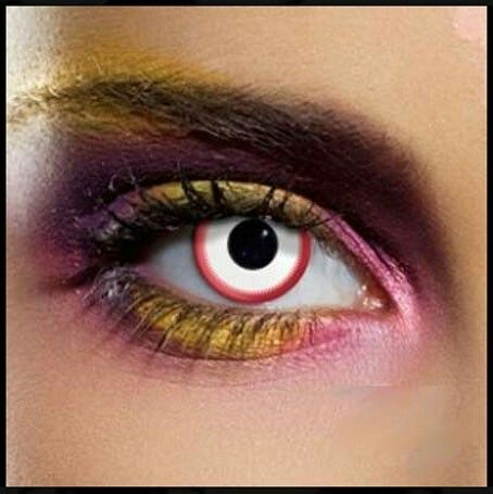 #lentiacontattocolorate #cigliafinte #ombretti #effettometallizzato #angieclausblog #makeup #makeupartist #trucco #halloween #31ottobre #night #dark #gothic #look #lipstick #black  http://angieclausblog.com/2014/10/28/idee-make-up-per-halloween/