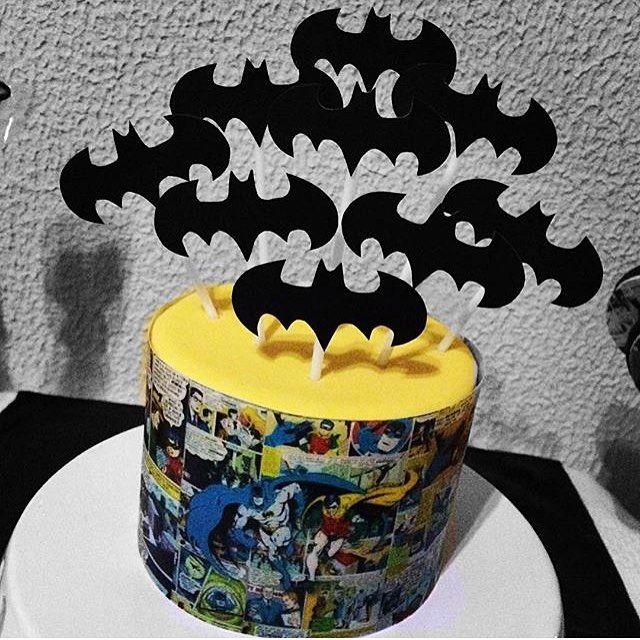 Adorei esse bolo Batman, super bacana e original! Por @chicaformiga  #kikidsparty