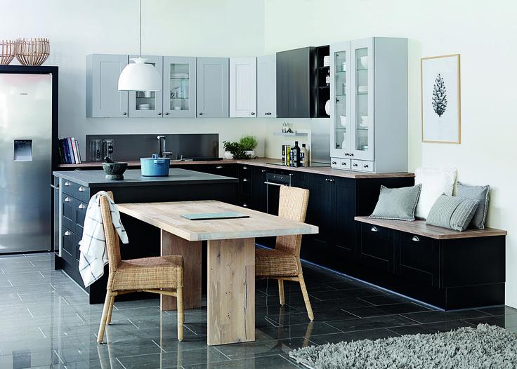 Den klassiske shakerstil får et twist, når man kombinerer grå og sorte låger.