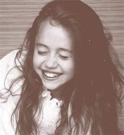 #Young   Miley Cyrus de pequeñaja www.beewatcher.es