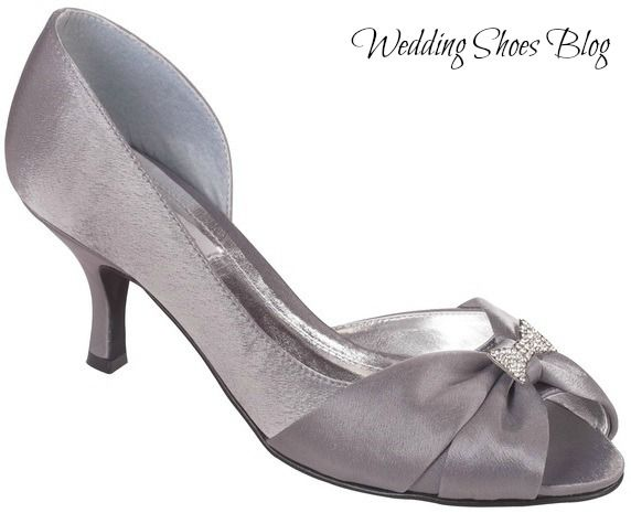 a right pair of dark grey wedding shoes can take over the world http