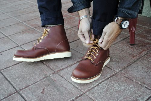 A Closer Look At The Red Wing Heritage Round Toe 9105 In