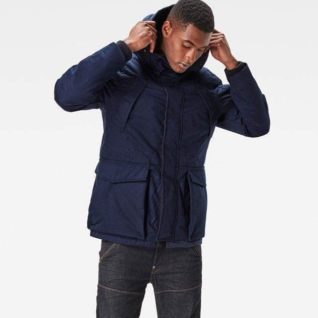 This rugged down jacket is made to get you through the harshest of winter conditions. Genuine down gives supreme warmth and breathability.