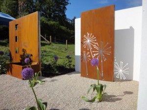 L'utilsation d'objets en metal apporte une touche d'originalité au jardin,l'acier Corten lui donne un aspect résolument moderne. Par l'adjonction de certains éléments mineraux aboutissant à la formation d'une couche superficelle d'oxydation,l'acier Corten...