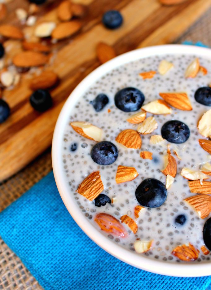 Blueberry Almond Chia Seed pudding #healthy #chiaseed #recipes http://greatist.com/eat/chia-seed-pudding-recipes