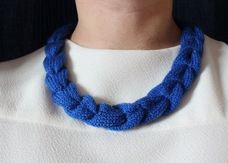 Вязаное ожерелье-косичка (4)