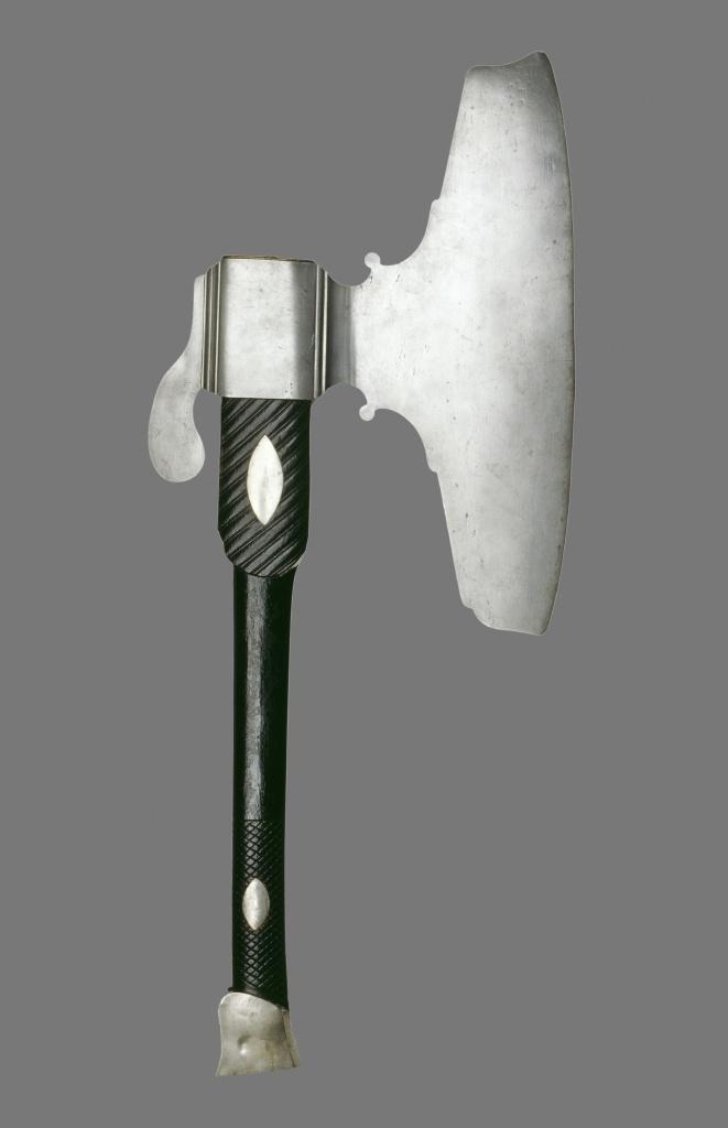 J.F. Struensee og E. Brandt blev sandsynligvis henrettet med denne skarpretterøkse.    J. F. Struensee and E. Brandt were most likely beheaded with this axe.