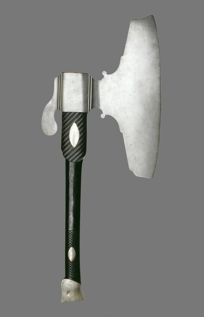 J.F. Struensee og E. Brandt blev sandsynligvis henrettet med denne skarpretterøkse.    J. F. Struensee and E. Brandt were most likely beheaded with this axe.