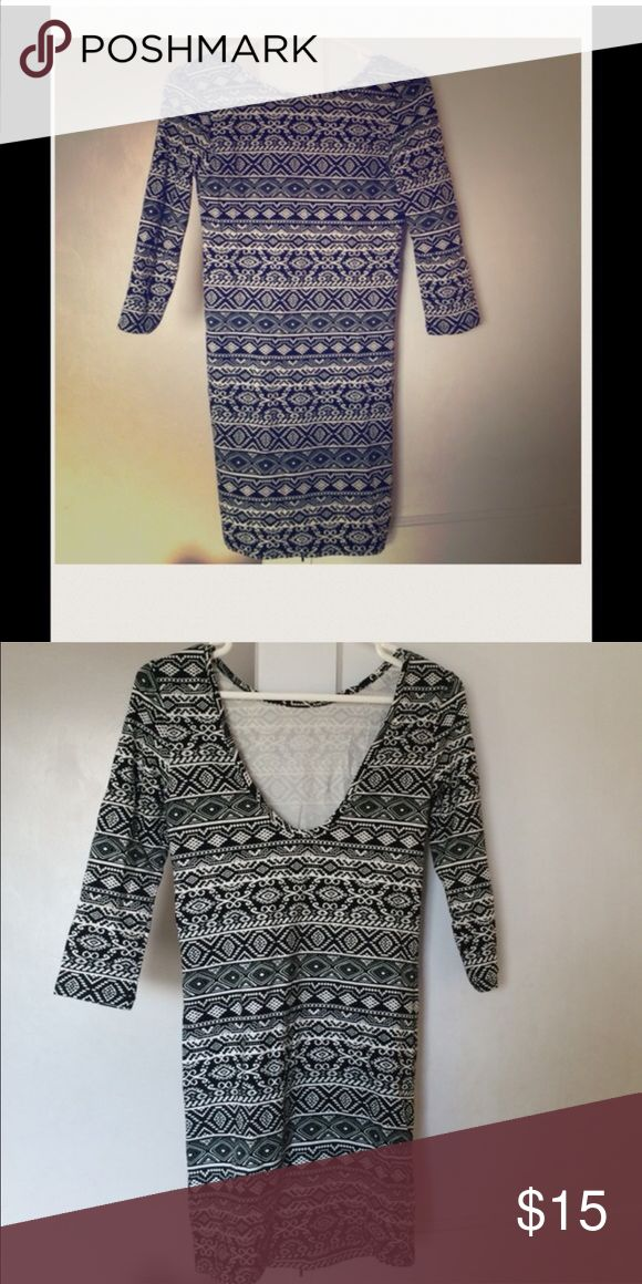 Patterned BodyCon Dress NWOT, Size Small, but stretches to fit larger sizes. Dresses Midi