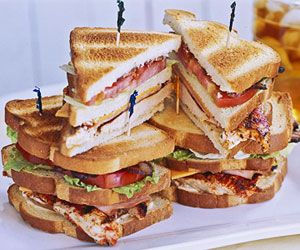 Blackened Chicken Club Sandwich: Grilled Veggies, Health Food, Club Sandwiches Recipes, Cajun Styl Rubbed, Lunches Boxes, Grilled Chicken, Cajunstyl Rubbed, Eating Organizations, Classic Club