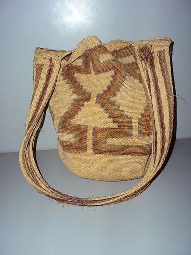 Mochila Kogui y Wiwa de fique - El mundo de la artesania