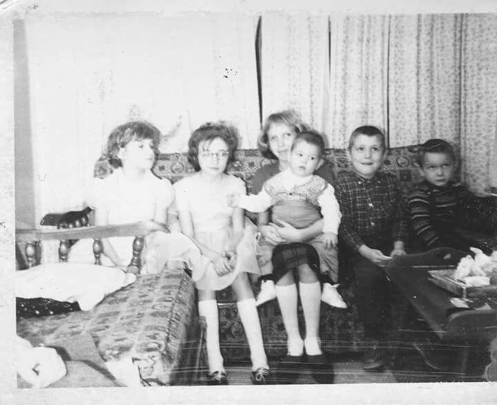 Sandra, Debbie, Marie with Bill, Eddie, Raymond,   Parkhurst. My cousins.