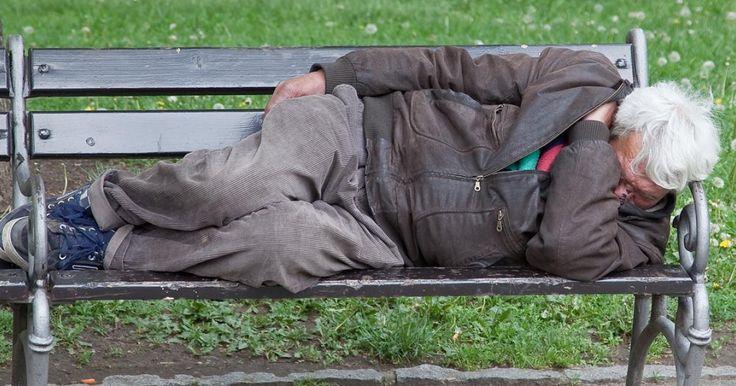 Vem engagerar sig i hemlösa svenskar?