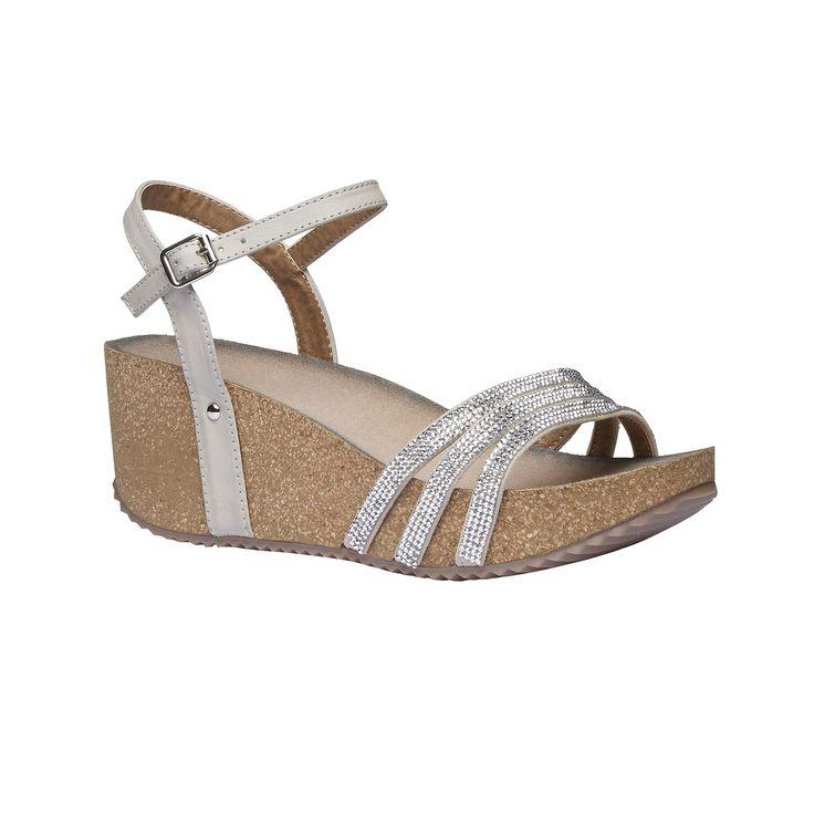 Dámské sandály na platformě mají pohodlnou korkovou podešev a decentní pásky jsou zdobené kamínky. Noste je k šatům i k džínům a doplňte Crossbody kabelkou v letních barvách. Univerzální model vhodný do práce i na letní dovolenou.