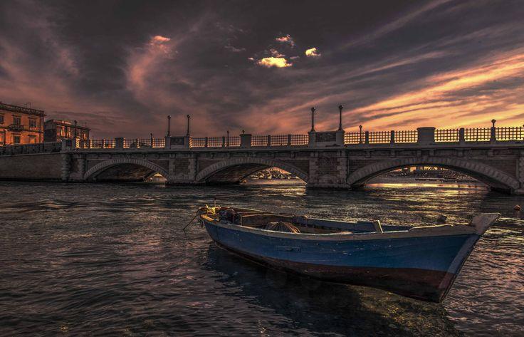 Photo Stone bridge, Taranto. par Ciro Santopietro on 500px