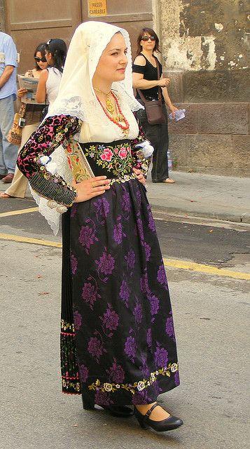 Su costume de Uri, Sardinia, Italy
