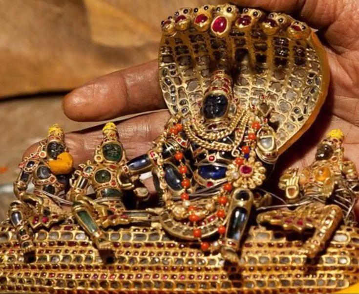 Narayan with lakshmi