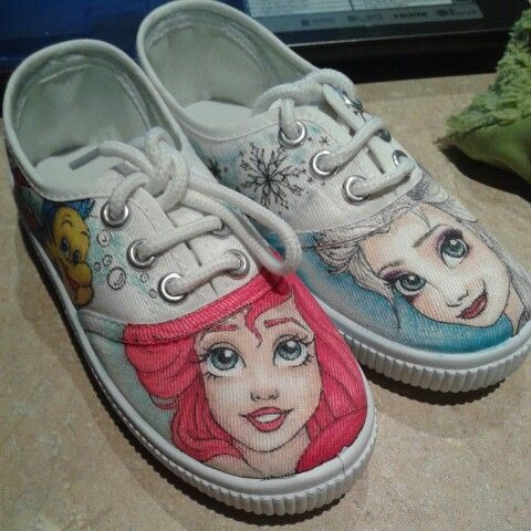 The little mermaid and Frozen drawings by Fauve Boudreau Creations. Come see more on Fauve's Shoes facebook page http://www.facebook.com/fauvebcreations  #frozen #elsa #olaf #thelittlemermaid #ariel #flounder #sebastien #art #disney #handmade #diy #fauvesshoes