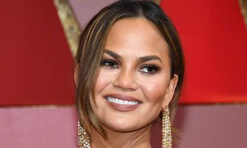 Chrissy Teigen Casually Pays Off Woman's Beauty School Tuition | The Huffington Post