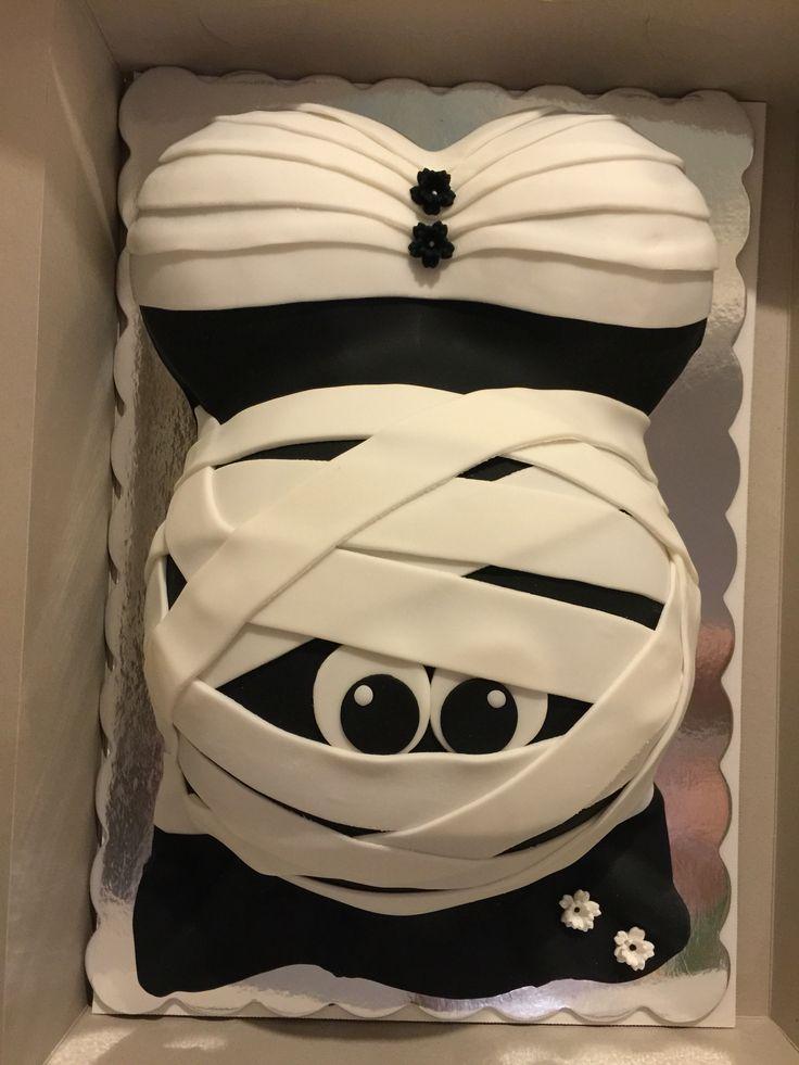 Mummy baby bump cake