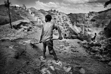 June 10, 2016 Written by: The AIM Network 4 Replies A child digs for gold in Congo (image from telegraph.co.uk) Category: Social Justice permalink The AIM Network By Tracie Aylmer Many of you may w… https://winstonclose.me/2016/06/11/is-australia-breaching-un-sanctions-against-the-democratic-republic-of-congo-by-tracie-aylmer/