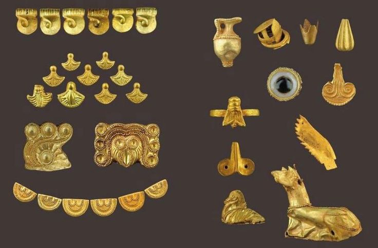 Jewels from the Acropolis and the Mycenaean cemeteries of Thebes,15-13th c.BC.Arch.Museum of Thebes,Greece