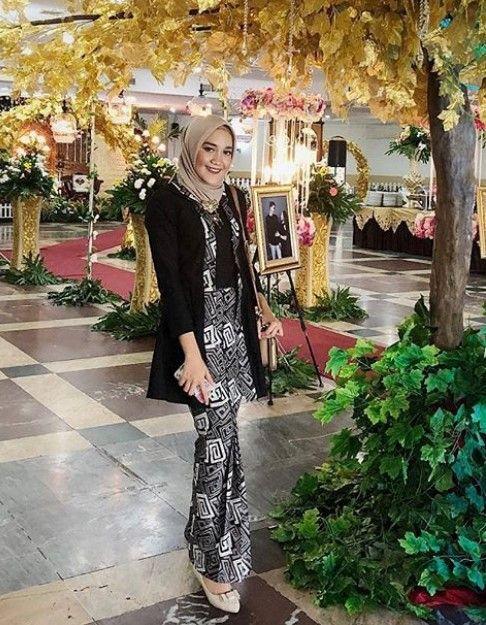 50 Koleksi Model Baju Gamis Batik Kombinasi Kain Polos Terbaru 2019