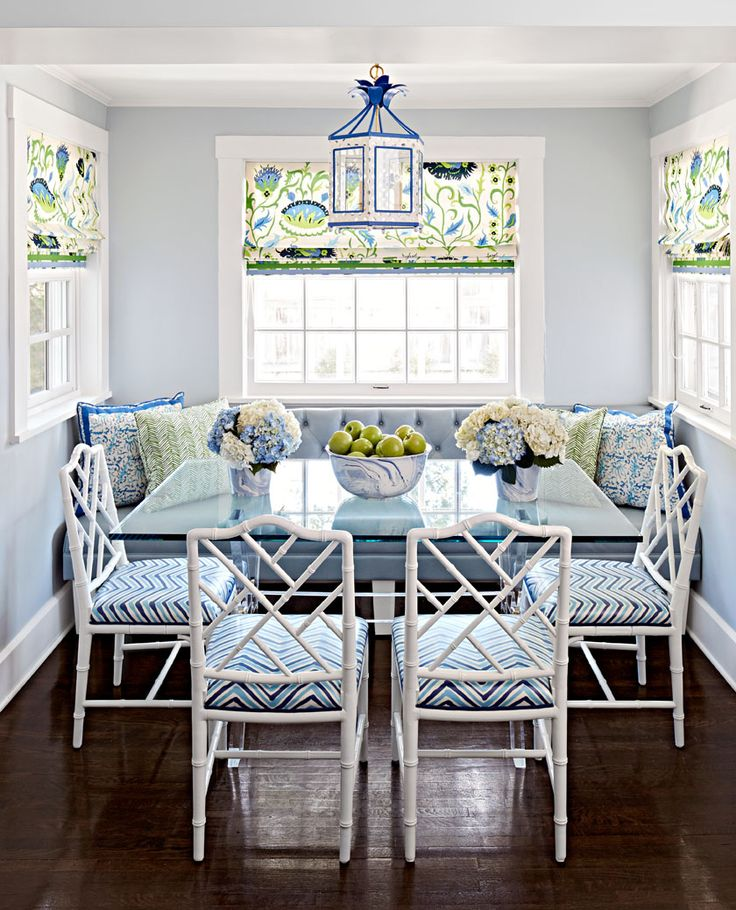 Midwest Living This wonderful breakfast nook features