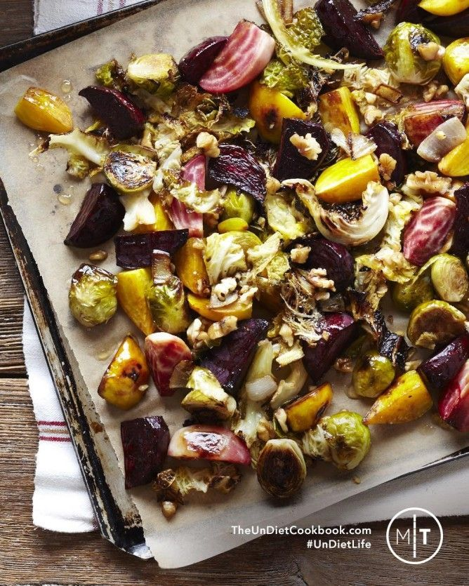 Balsamic roasted veggies with feta: Süßkartoffeln, Kürbis, Rosenkohl, Karotten, Zwiebeln, rote Beete