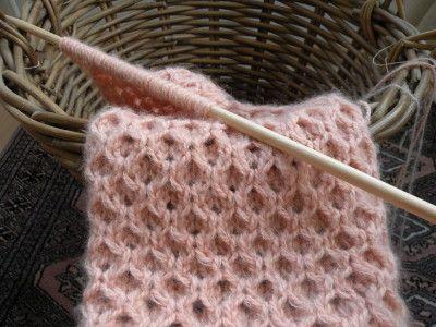 Christine: Rose fée des belles choses® Point nid d'abeille instructions en français. ©17 Décembre 2015 Pinner: @LouiseDuval9887 [Maille endoit: knit, maille l'envers: purl]