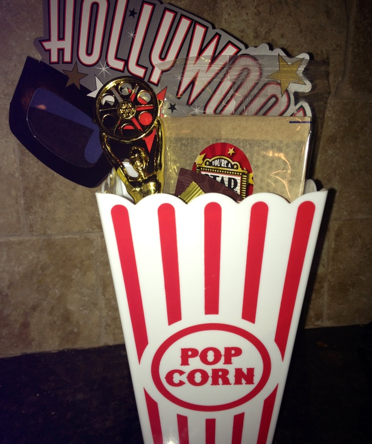 Hollywood Theme party favors, complete with mini Oscar & 3D glasses!