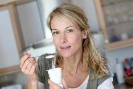 Łatwy przepis na domowy jogurt grecki