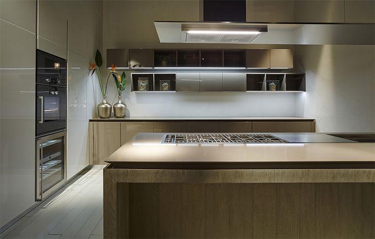 Cemento, argilla, rovere grezzo + argilla, solid surface per le cucine RiFRA