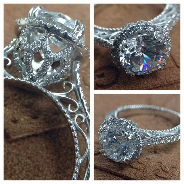 VENETIAN-5061R engagement ring from the Venetian Collection. #Verragio #Jewelry #EngagementRings  http://www.verragio.com/Verragio-Engagement-Rings/Venetian-Engagement-Rings/VENETIAN-5061R-TT