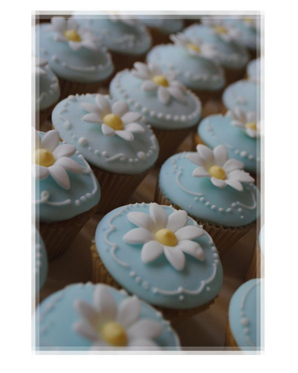 110 best decorated: cupcakes baby images on Pinterest | Petit ...