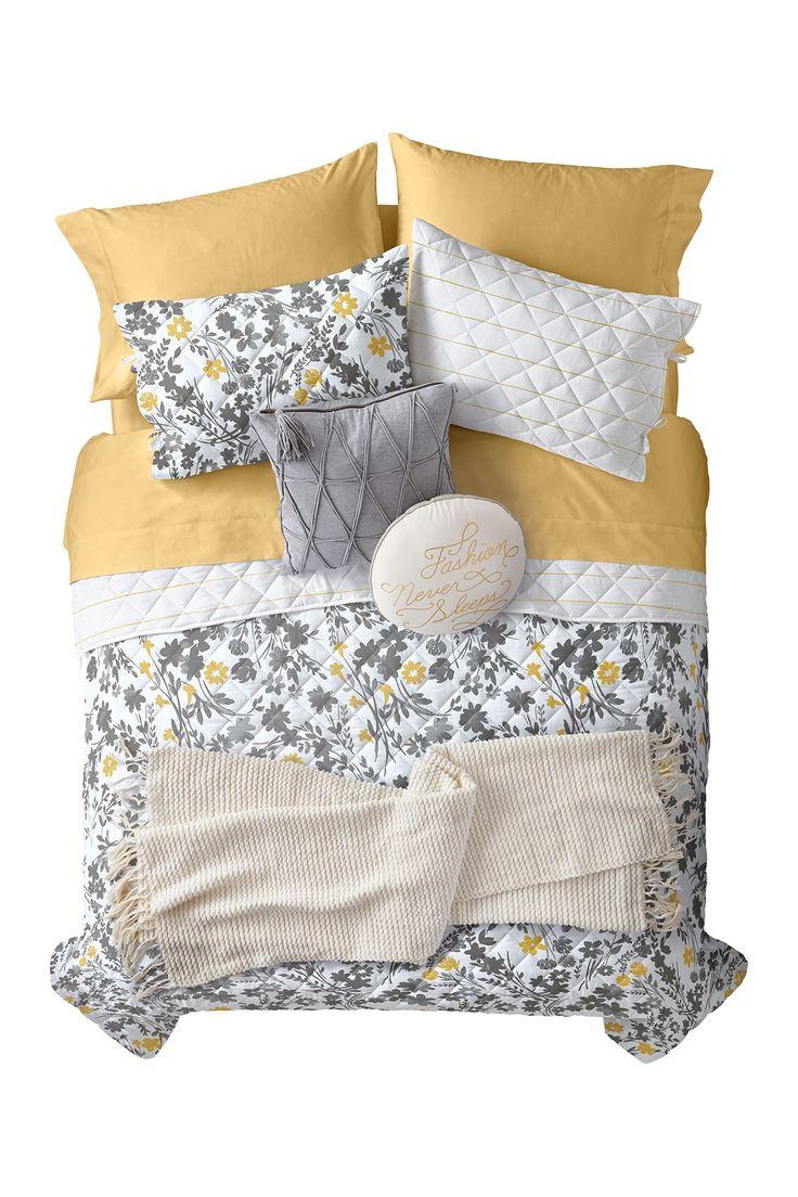 Gray Asphalt Multi Silhouette Floral Quilt Set - Queen