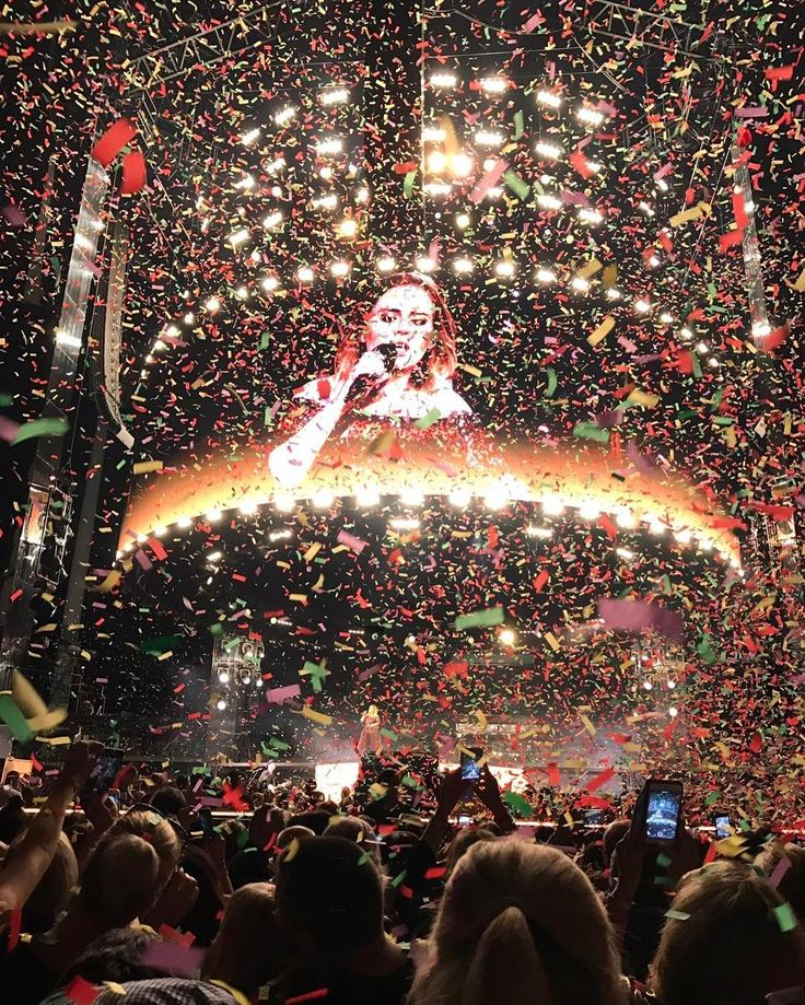"""Colored confetti! Adele's 1st night of her Australian tour in Perth.   Daydreamerville ✨ (@dayoneadelefans) on Instagram: """"My confetti obsession returns!PC: Ainslie Sartori, Twitter. @adele @domainstadium #Confetti…"""""""
