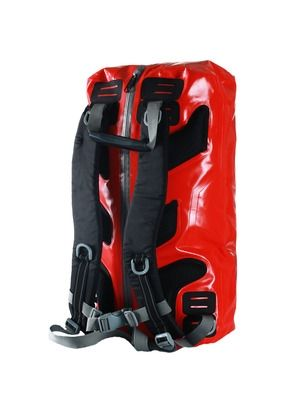 D.A.D. Pro-Tect Water Backpack - Vanntett med sveisede sømmer- Åpnes fra baksiden- Vattert rygg for bedre komfort- Sveiset glidelås- Justerbare polstrede stropper Materiale: TarpaulinVolum: Maks ca. 24 ltr.Maksimum mål: 29x21x50 Trykk: Ønsker du din logo på dette produktet? Be oss om pris på post@blatt.no