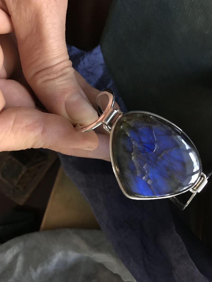 Bracelet with labrodorite stone