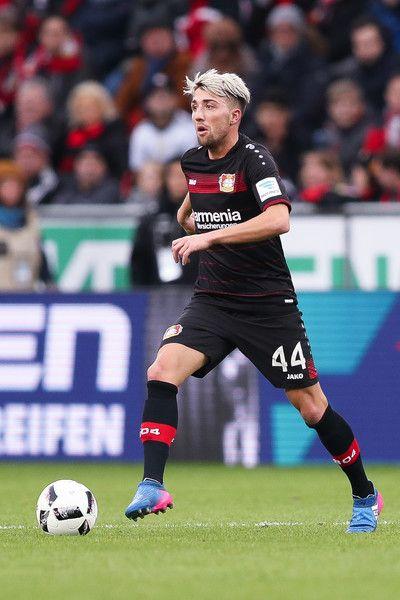 Kevin Kampl of Leverkusen controls the ball during the Bundesliga match between Bayer 04 Leverkusen and 1. FSV Mainz 05 at BayArena on February 25, 2017 in Leverkusen, Germany.