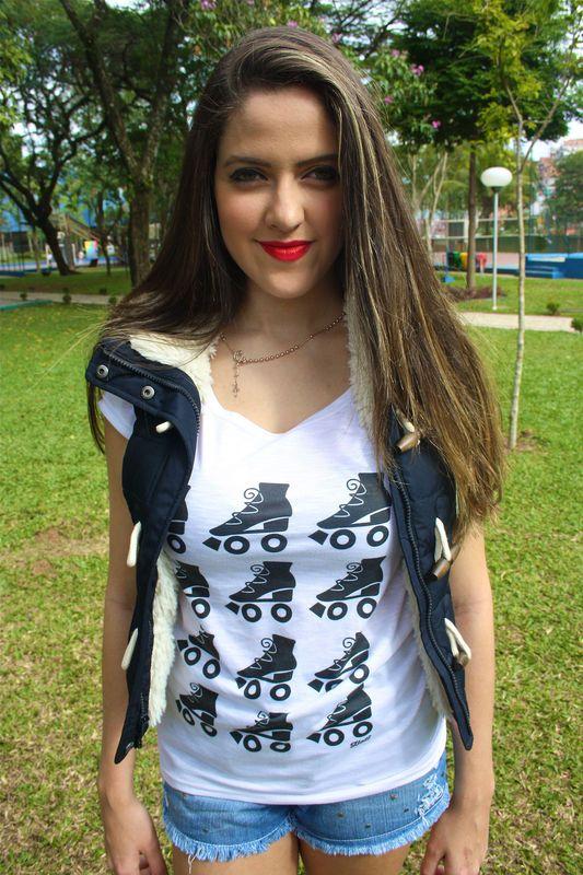 Camiseta | Patinzinhos pretos R$35,00 Heti Skating t-shirt