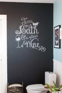 Je vous explique comment reproduire un motif typographique sur un mur ardoise ou un tableau noir.