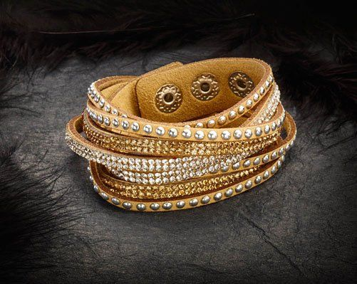 "Di's Home Decor on Twitter: ""Faux Leather Bracelet Set£8.00 #giftsforher #womensfashion #ladiesfashion #ladiesaccessories #accessories #womensaccessories #bracelet #xmas https://t.co/Hf6r6eqTKT"""
