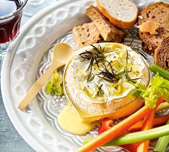 Camembertfondue met dippers - Recept - Jumbo Supermarkten