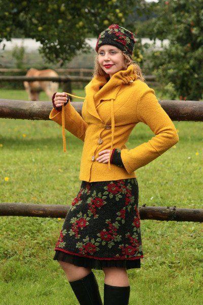 Miniröcke - Walkrock Wollrock anthrazit rosen rot-grün - ein Designerstück von…